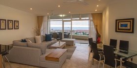 203 Oyster Quays Self Catering Apartment